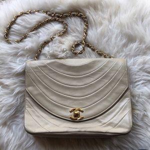 Beige Vintage Chanel handbag